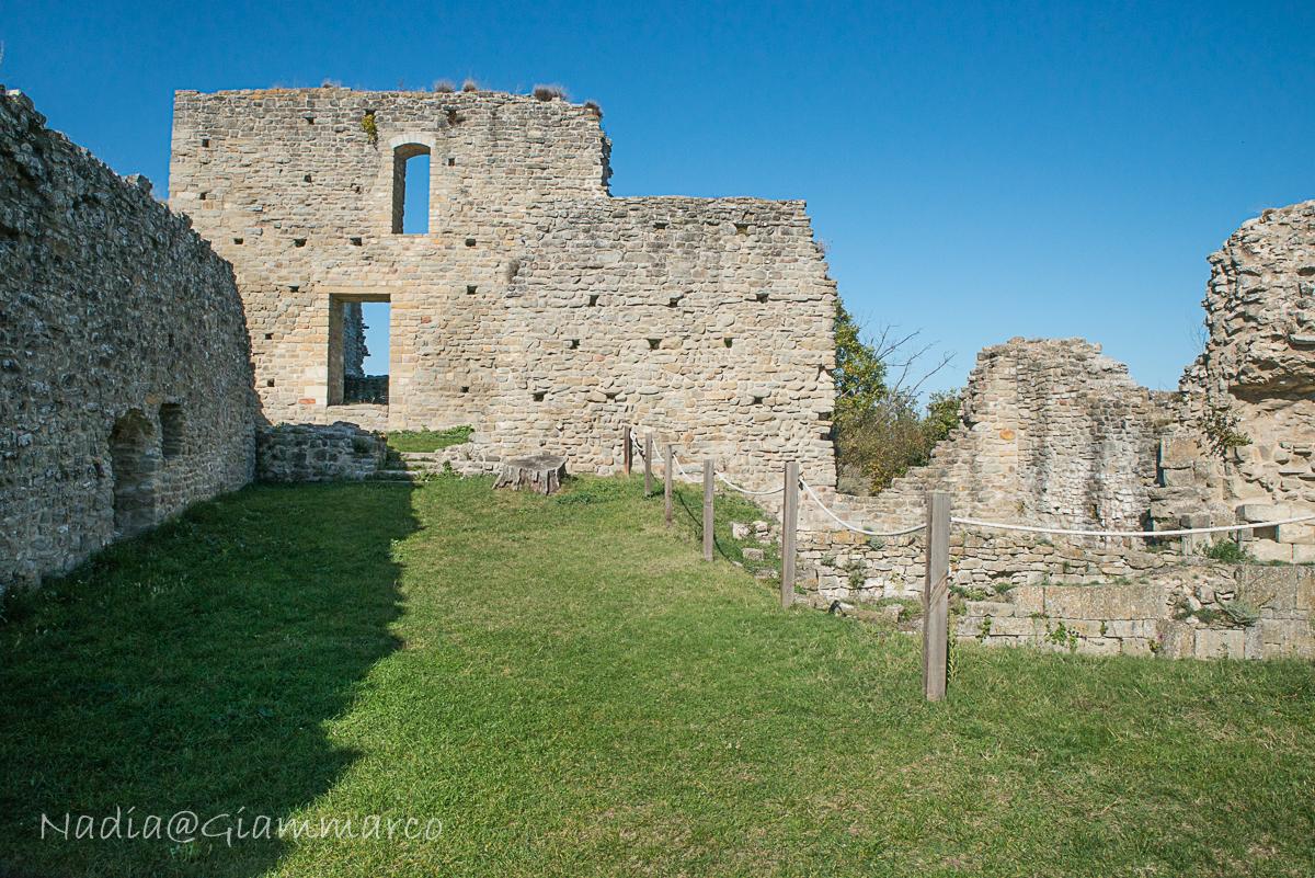 Vista dall'entrata del castello.