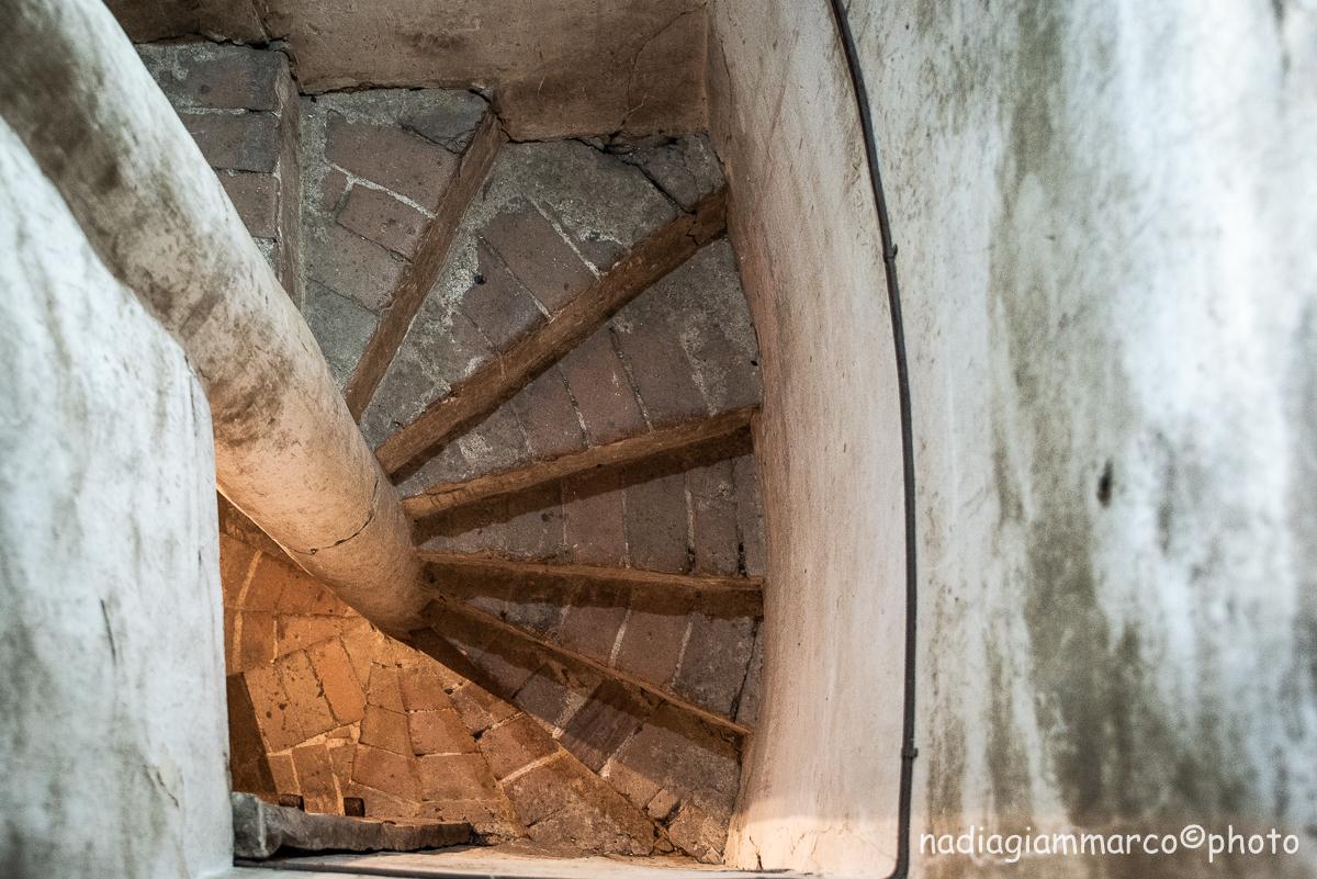 Le scale della Torre di Bianello