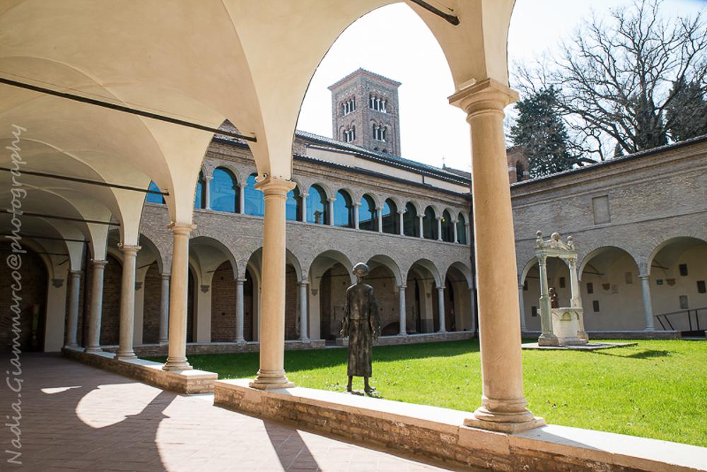 Il Museo Dantesco è situato nei suggestivi Antichi Chiostri Francescani a Ravenna