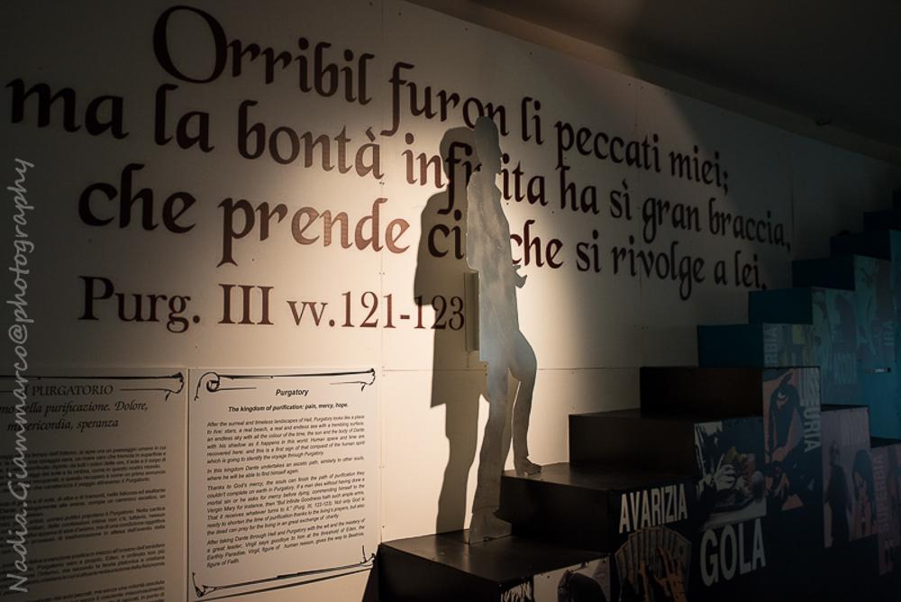 Contenuti multimediali di cui poter fruire durante la visita al Museo Dantesco