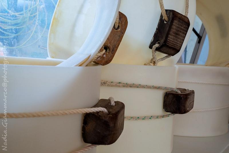 Strumenti per la lavorazione del Parmigiano Reggiano all'interno del caseificio