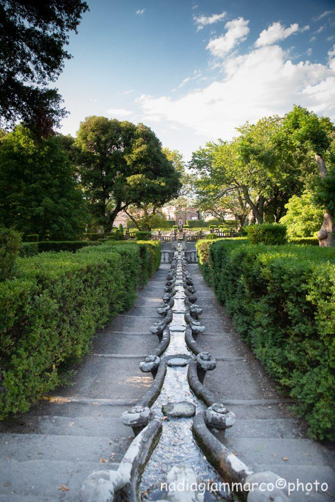 La particolare catena a forma di gambero in cui scorre l'acqua a Villa Lante di Bagnaia