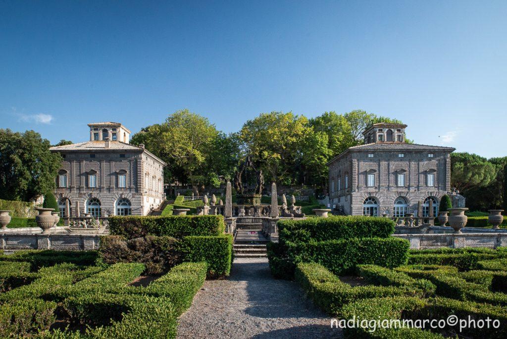 I due casini di caccia simmetrici di Villa Lante a Bagnaia in provincia di Viterbo.